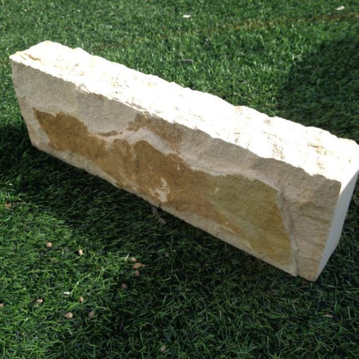 Bordillo piedra